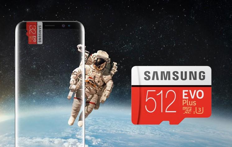 Man in een ruimtepak naast de nieuwe capaciteiten van samsung.